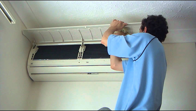 Vệ sinh máy lạnh, bảo trì máy lạnh quận 3 tận nơi giá rẻ TPHCM