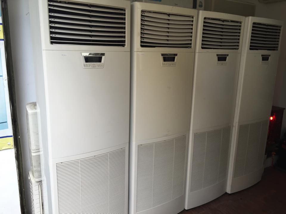 Máy lạnh cũ tủ đứng Media 5hp—Giá: 17.000.000