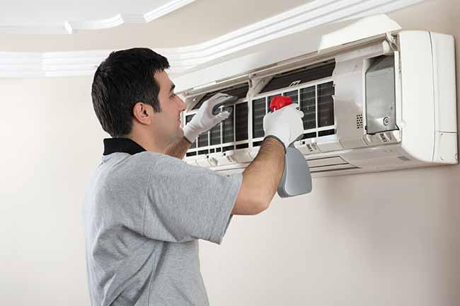 Dịch vụ vệ  sinh bảo trì máy lạnh quận 7 tận nơi giá rẻ