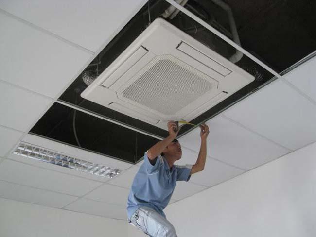 Dịch vụ vệ sinh bảo trì máy lạnh quận Tân Bình giá rẻ